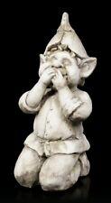 Troll Gartenfigur - Hält sich den Mund zu - Fantasy Gartendeko Gnom Kobold Fee