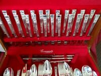 ONEIDA COMMUNITY Silver Plated HAMPTON COURT Design 115 Piece Cutlery Canteen