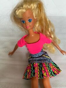 Mattel Skipper Doll Barbie Friend 1987 Blonde Hair Retro 80s Bright outfit