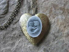 - Mom - Mother'S Gift, Mother'S Day Mother And Child Cameo Bronze Heart Locket
