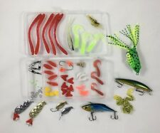 30 Pc Lot Fishing Lures Crankbaits spinner minnows frogs Tackle hooks with box