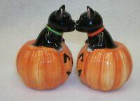 Halloween Jack O Lantern Magnetic Kissing Black Cats Salt Pepper Shakers Pacific