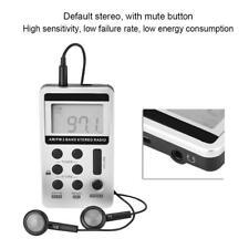 Mini Tragbar FM/AM Radio Taschenradio Digital LCD Screen mit Kopfhörer USB Kabel