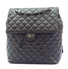 Damen Rucksack Schultertasche Citybag echt Leder gesteppt schwarz Made in Italy