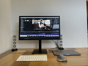 """LG 23.7"""" Ultrafine 4K Display 