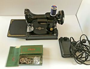Vintage 1950 Singer Featherweight 221 Sewing Machine AJ554059 Excellent Tested !