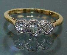 VINTAGE 18CT YELLOW GOLD DIAMOND 3 STONE ENGAGEMENT RING Size J