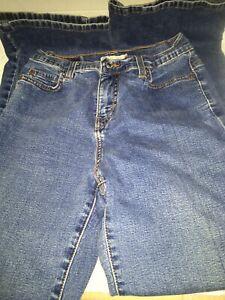 "Levi's 512 Perfectly Slimming Blue Denim Women Size 4 S  29"" Inseam"