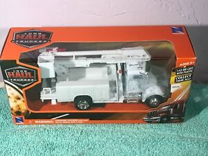 Peterbilt Service Utility Truck Long Haul Trucker Series by New Ray 1:43 Scale
