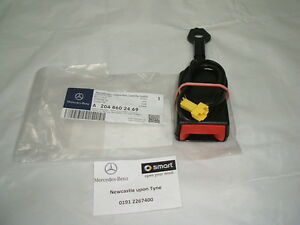 Genuine Mercedes-Benz W204 C-Class Right Seat Belt Buckle A2048602469 NEW