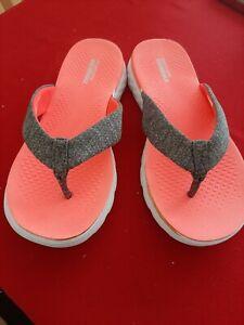 Skechers Flip Flops Size 5
