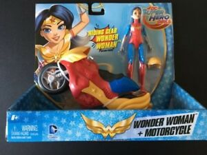 DC Super Hero Girls Riding Gear Wonder Woman and Motorcycle NEW