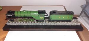LILIPUT TRIX BACHMANN LNER CLASS A2 525 'A H PEPPERCORN' STEAM LOCOMOTIVE LOCO
