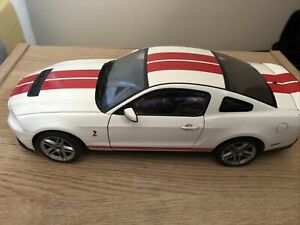AUTOart 1:18 Ford Shelby Mustang GT 500 White 2010 Modell (no Box)