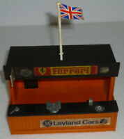 Scalextric Classic pitstop building