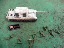 HO TIGER TANK AND TOY SOLDIERS ARMY MEN