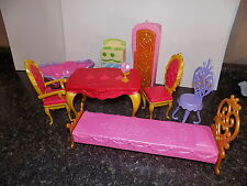BARBIE CASTLE FURNITURE TABLE CHAIRS  tub bed table   ACCESSORIES