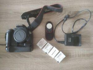 Boitier Reflex Canon  550D + Grip + 4 Batteries + Chargeur + Télécommande