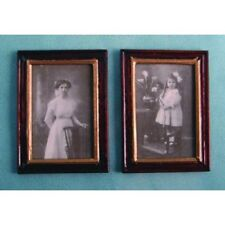 Dolls House Miniatures Accessory 1:12 Scale 2 wooden picture frames D1180 *