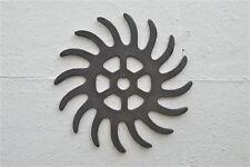 Cast iron agricultural cog garden art sun shape design saw blade wall decor