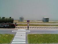 2 Stück Andreaskreuz Bahnübergang Spur H0 TT selbstblinkend LED Lichtleiter NEU