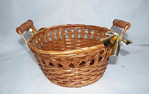 "1980s Wicker Shellac Bamboo Round Gift/Flower Basket w/ Wood Handles 9 x 5"""