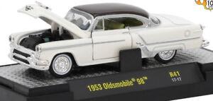 L77 32500 41 M2 MACHINES AUTO THENTICS  1953 Oldsmobile 98 1:64