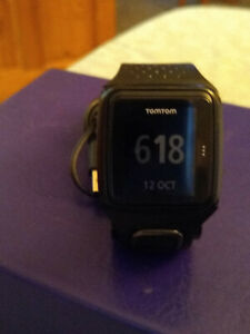 TomTom Multisports Watch in black  and black wrist band WITH CHARGER