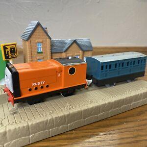 Thomas & Friends Trackmaster TOMY Rusty 2005 Motorized Train Engine W/ Passenger