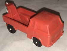 NP *  JEEP FC100 TOW TRUCK * ROT * GUMMIAUTO * VINYL RUBBER TOMTE