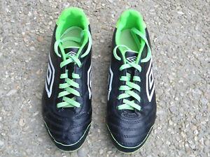 Chaussures de foot UMBRO Taille 38