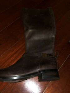 Antonio Melani Knee High Wide Calf Brown Leather Boots Gold Logo & Bow Size 9MW