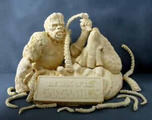 War of Gargantuas - Rare Resin From The Grave - Gaira Vs. Octopus Monster Model