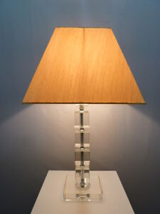 """Edle Tischleuchte """"Arte"""" Lampenfuß aus Kristall, Stoffschirm, Nachttischleuchte"""