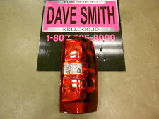 Chevrolet GM OEM Taillight Tail Light-Rear-Combo Assy Right 22837924