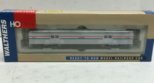 Walthers HO Scale AMTRAK Budd 73' Baggage Car
