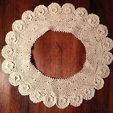 Vintage Ecru Floret Scalloped Edge Crochet Collar