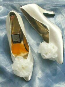 Vtg NINA Satin Bridal Wedding Shoes Pumps Ivory Off White Chiffon Flower 6-61/2