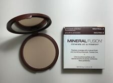 Mineral Fusion Natural Brands Vegan Pressed Powder Foundation in color Neutral 2