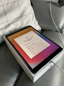 Apple iPad Pro 256GB, Wi-Fi, 10.5 in - Space Grey