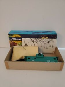PC Penn Central Wide Vision Caboose Athearn Kit NOS MINT NEW #5365 HO Scale
