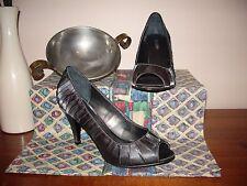 "Women's heels ""Sandler"" Ava., size 8B, gunmetal fabric, very smart."