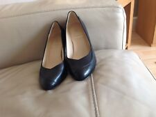 Smart Pair Of K' (Clarks) Black Leather Court Shoes Size 5 Wide Fit
