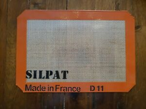 "Silpat Petite Jelly Roll Baking Mat - 8 1/4"" x 11 3/4"""