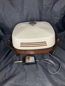 Vintage West Bend Sensa-temp Electric SKILLET , Ivory and brown. Made In USA