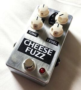 Clone of a Lovetone Big Cheese Fuzz pedal.