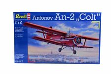 Revell Flugzeug Modell Bausatz 04667 Antonov An2 Colt im Maßstab 1:72