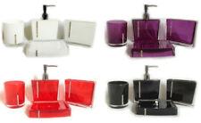 Set di accessori da bagno rosso senza marca
