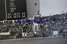 Buffalo Bills VS NY Jets 10-25-1970 8X10 Photo NFL Football Gus Hollomon