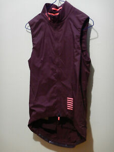 Rapha Pro Team Insulated Gilet Vest Mens Size Small Burgundy cycling